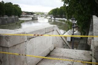 Roma, il Tevere rischia di esondare per le troppe piogge: chiuse le banchine