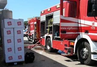 Principio di incendio all'interno della fabbrica della Crik Crok a Pomezia: nessun ferito