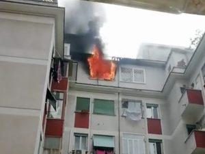 Incendio a Centocelle in via Domenico Panaroli