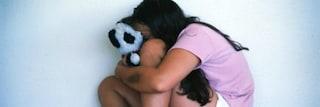 Sezze, fa sesso con una 14enne in cambio di hashish e paga la madre per non parlare