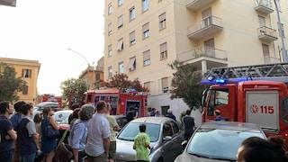 Roma, scoppia un incendio in un deposito di bici elettriche: evacuato un edificio