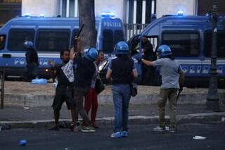 Salvini prepara lo sgombero di centri sociali e case occupate di Roma: obiettivo Campidoglio
