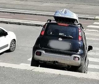 Auto sulla scalinata di Villa Borghese, ecco come si è giustificato il conducente