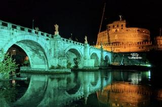 Roma si prepara a Euro 2020: ponte Sant'Angelo si tinge di azzurro