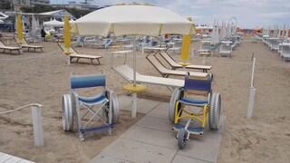 """""""Facciamo una spiaggia per disabili"""": la proposta del X Municipio di Ostia scatena le polemiche"""