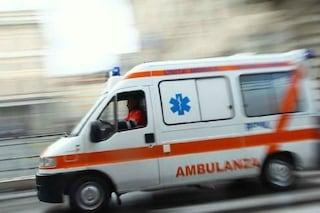 Auto travolge due pedoni in viale Etiopia: grave una donna soccorsa in codice rosso