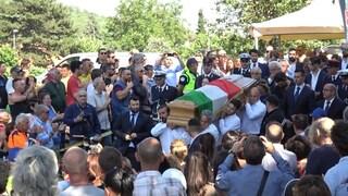 Esplosione a Rocca di Papa, i funerali del sindaco eroe Emanuele Crestini