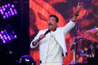 Lionel Richie sbarca con la sua band a Fiumicino e i ladri gli rubano i bagagli