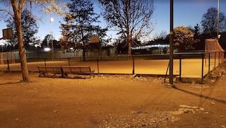 Roma, maxi rissa al parco Meda tra gruppi di giovani: due feriti, fermati alcuni ragazzi