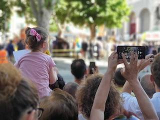Papa Francesco in visita a Casal Bertone: il pontefice accolto da una folla di fedeli
