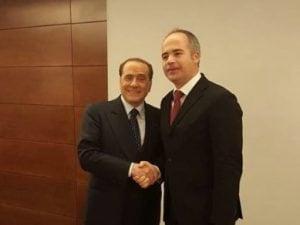 Il sindaco di Piedimonte San Germano, Gioacchino Ferdinandi, con il presidente di Forza Italia, Silvio Berlusconi