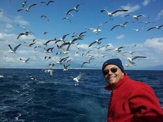L'eroico intervento di Bernardo e Tonino: salvate in mare due bimbe cadute dal materassino