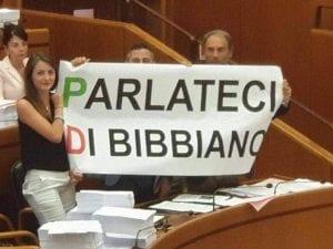 Lo striscione srotolato dai consiglieri leghisti alla Regione Lazio