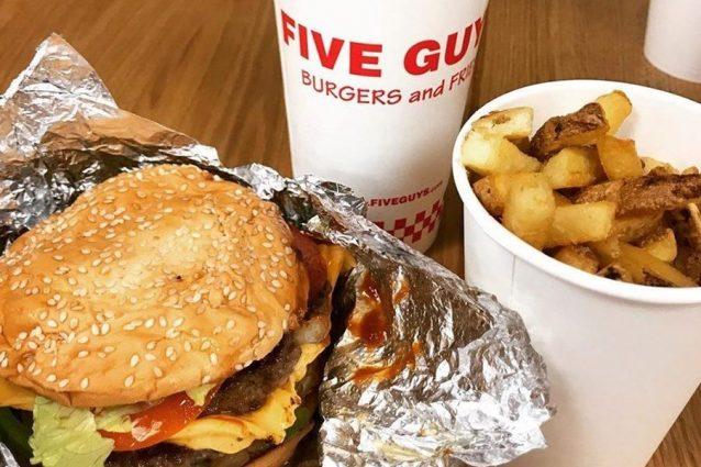 È ufficiale, Five Guys apre il primo fast food a Roma e offre posti di lavoro