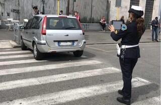 Roma, dal 1 dicembre 2019 il servizio di segnalazione e rimozione dei veicoli in sosta selvaggia