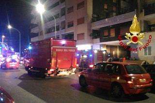 Fiumicino, incendio in una villetta: nessun ferito ma tanta paura per i sei residenti