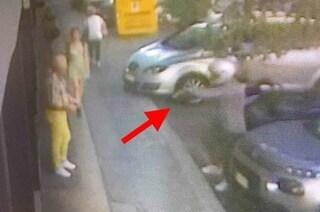 Roma, rapina un Rolex e scappa in scooter: i poliziotti lo arrestano dopo un inseguimento