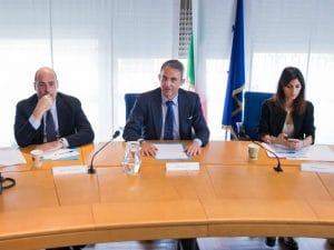 Sergio Costa con Virginia Raggi e Nicola Zingaretti