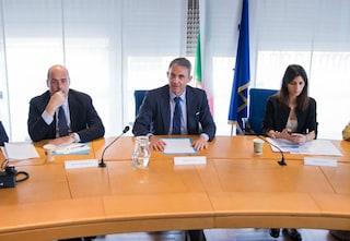 """Pace tra Zingaretti e Raggi: """"Nel medio periodo rifiuti in eccesso trasferiti all'estero"""""""
