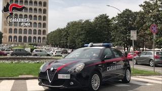 Roma, picchiano minore con calci e pugni per strappargli catenina: arrestati baby rapinatori