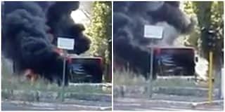 """Via Cassia: scoppia incendio sul bus 301. Atac: """"Mezzo in servizio da 16 anni"""""""