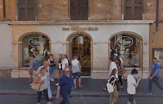 Roma, tentano un furto nel Disney Store di via del Corso: arrestate due persone