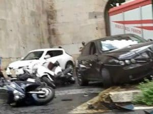 Le immagini dell'incidente (Gruppo Facebook Salvaiciclisti)