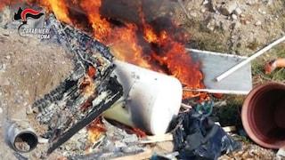 Roma, carabinieri seguono fumo incendio e scoprono un rogo tossico di rifiuti