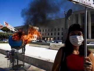 """Roma, la protesta contro i cambiamenti climatici parte dalla Sapienza: """"Il mondo è in fiamme"""""""