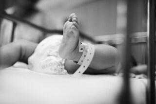 Neonato morto per latte in flebo, svolta al processo: non in turno infermiera accusata di omicidio