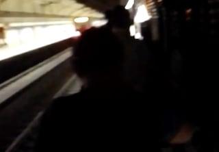 Guasto alla Metro B, passeggeri costretti a scendere e a percorrere la galleria a piedi sui binari