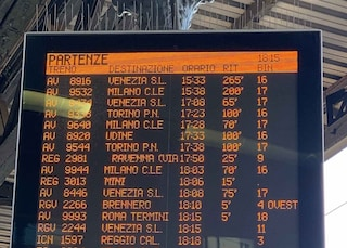 Alta velocità, rallentamenti per guasto a treno su linea Firenze-Roma: ritardi fino a 3 ore