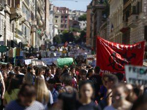 Il corteo del Fridays for Future di Roma