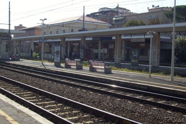 Stazione di Ciampino della linea FL4 (Wikipedia)