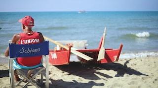 Torvaianica, è morto Pio il bagnino centenario: è rimasto in spiaggia fino all'ultimo giorno
