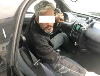 Violenta, rapina e abbandona nei campi tre donne: una gli scatta una foto e lo fa arrestare