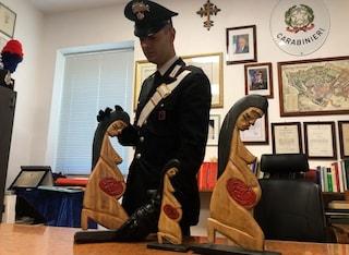 """Roma, recuperate le statuine """"pagane"""" rubate dagli ultracattolici e gettate nel Tevere"""