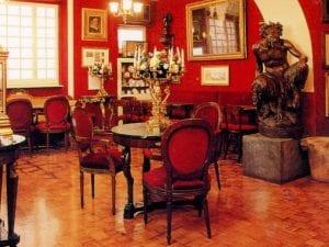 Gli interni del Caffè Greco
