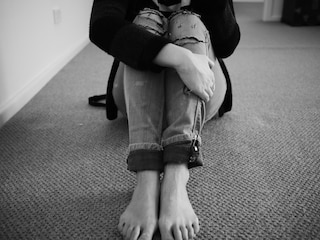 """Violenze e abusi nella casa famiglia. La direttrice alle donne: """"Vi faccio portare via i figli"""""""