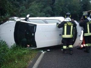 L'incidente in via di Santo Stefano (Immagine dei vigili del fuoco)