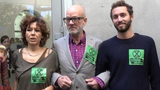 """Roma, Michael Stipe incontra gli attivisti contro i cambiamenti climatici: """"Lotto con voi"""""""