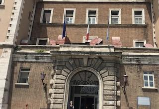 Roma, va in ospedale e ruba ai malati del pronto soccorso: arrestata una ragazza di 29 anni