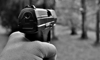 Frosinone, spara in volto al rivale: si contendevano il racket della prostituzione