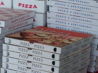 """""""Vorremmo delle pizze a domicilio"""": il 'pizza boy' arriva e viene rapinato"""