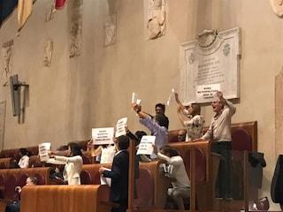 Roma Metropolitane, Pd paralizza il consiglio comunale contro la liquidazione. Raggi assente