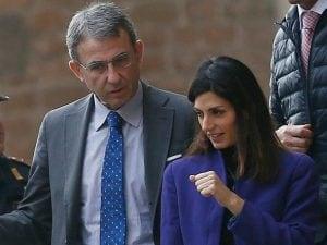 La sindaca Virginia Raggi e il ministro dell'Ambiente Sergio Costa