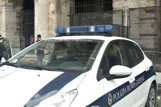 Roma, tragico schianto a due passi dal Colosseo: morto un motociclista di quarant'anni