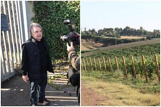 Roma, Renato Brunetta si incatena contro la discarica a Falcognana: lì produce il suo vino