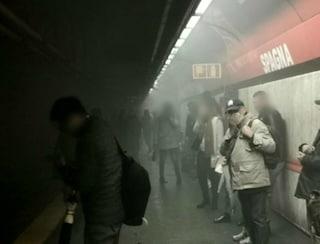 Metro A Roma: sirene attive e puzza di bruciato a Flaminio, chiusa Spagna per guasto tecnico