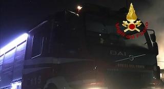 Roma, incendio a Ostiense: appartamento a fuoco, palazzo evacuato alle 4 del mattino